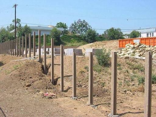Купить с доставкой и установкой бетонный забор от ЗАО Завод
