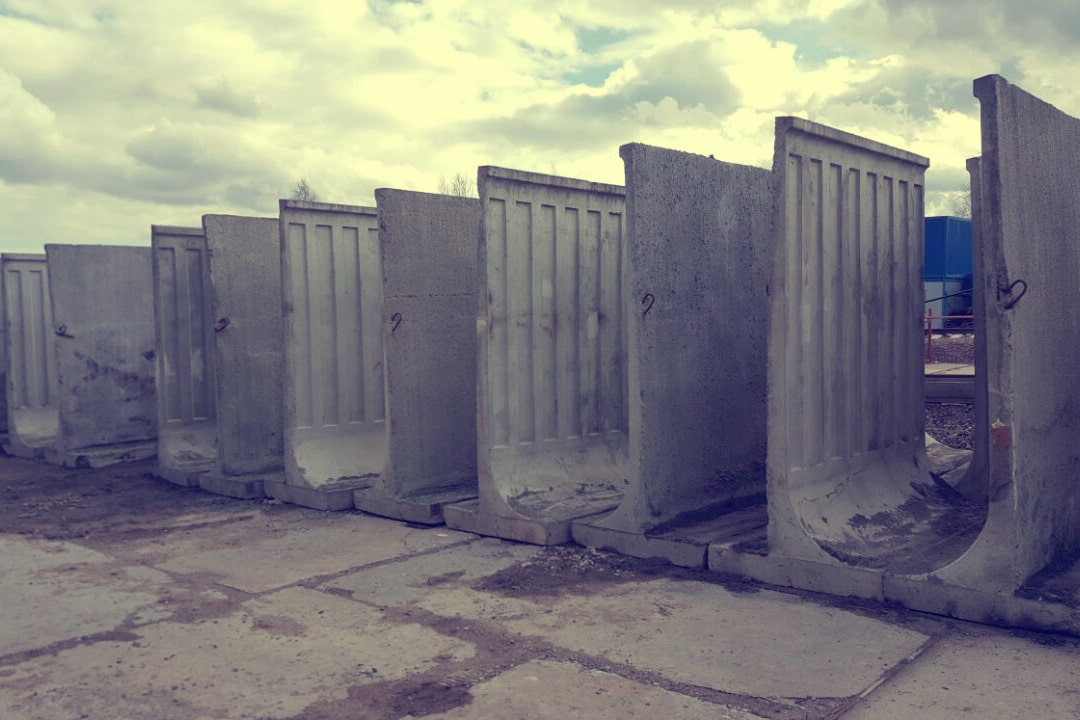 Купить в СПб с доставкой бетонный забор самостоящий от ЗАО Завод